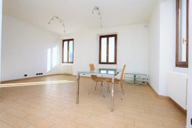 Image No.1-Appartement de 3 chambres à vendre à Gravedona