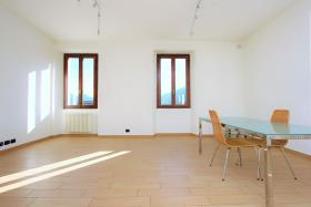 Image No.3-Appartement de 3 chambres à vendre à Gravedona