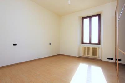 Real-estate-sales-Gravedona