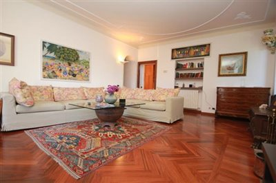 lake-como-apartments-for-sale