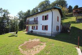 Image No.2-Chalet de 3 chambres à vendre à Gravedona