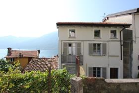 Colonno, Village House
