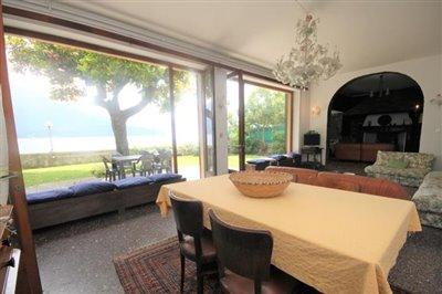 casa-sul-lago-di-como-in-vendita
