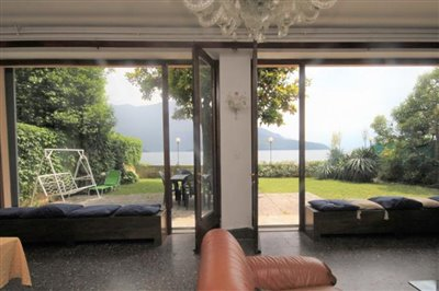 front-lake-house-for-sale-lake-como