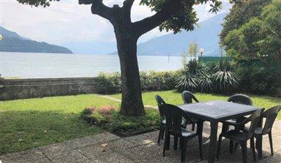 villa-fronte-lago-lago-como-domaso-in-vendita