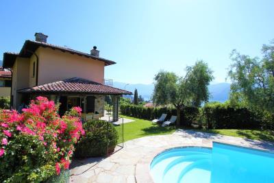 villa-con-pioscina-in-vendita-sul-lago-di-como