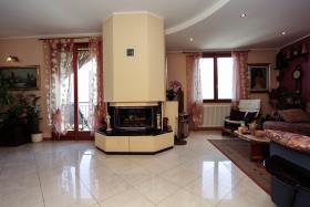 Image No.2-Appartement de 3 chambres à vendre à Cremia