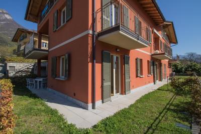 villa-con-piscina-in-vendita-sul-lago-di-como