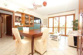Image No.0-Appartement de 2 chambres à vendre à Menaggio