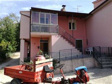 1 - Bisenti, House