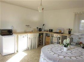 Image No.12-Maison de campagne de 3 chambres à vendre à Teramo