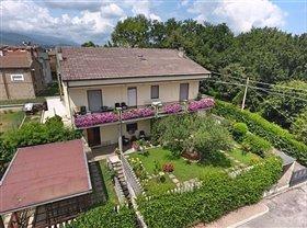 Loreto Aprutino, House