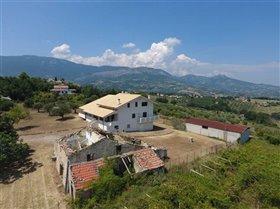 Image No.2-Maison de 7 chambres à vendre à Civitaguana