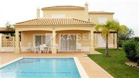 Image No.0-Villa de 4 chambres à vendre à Algarve