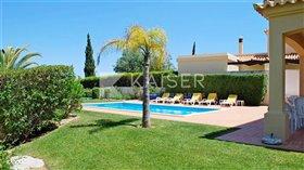 Image No.1-Villa de 4 chambres à vendre à Algarve