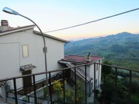 Casoli, Townhouse