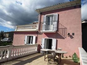 Civitella Messer Raimondo, Cottage