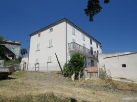Image No.17-5 Bed Country House for sale