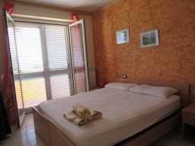 Image No.19-10 Bed House/Villa for sale
