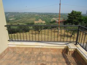Image No.5-4 Bed Country House for sale
