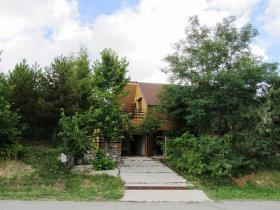 Image No.1-2 Bed Chalet for sale