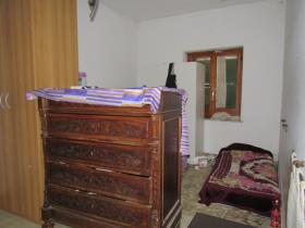 Image No.11-6 Bed Townhouse for sale
