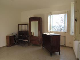 Image No.6-4 Bed Cottage for sale
