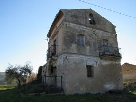 Image No.2-1 Bed Country House for sale