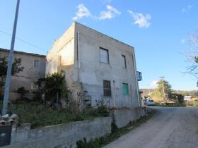 Image No.2-4 Bed Country House for sale