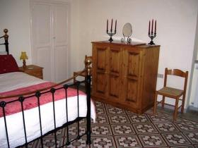 Image No.8-4 Bed Cottage for sale