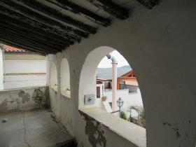 Image No.1-5 Bed Townhouse for sale