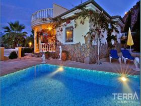 Image No.1-Villa / Détaché de 2 chambres à vendre à Alanya