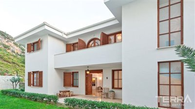591-unique-sea-view-villa-for-sale-in-alanya-5a8a950b7ba4a