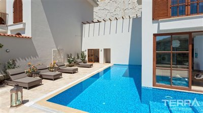 591-unique-sea-view-villa-for-sale-in-alanya-5a8a950d2684c
