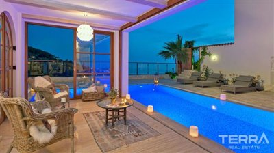 591-unique-sea-view-villa-for-sale-in-alanya-5a8a950fe8276