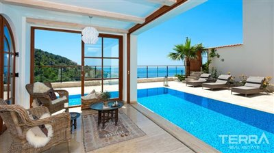 591-unique-sea-view-villa-for-sale-in-alanya-5a8a9581cd7ae