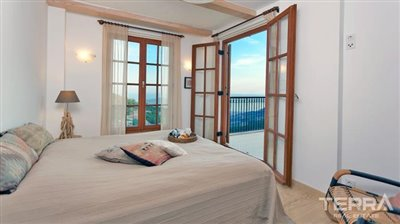 591-unique-sea-view-villa-for-sale-in-alanya-5a8a9584f40c8
