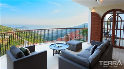 591-unique-sea-view-villa-for-sale-in-alanya-5a8a95872aee5