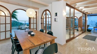 591-unique-sea-view-villa-for-sale-in-alanya-5a8a958453895--1-