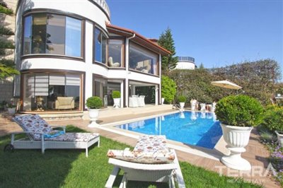 1017-stunning-villa-with-panoramic-sea-and-city-views-in-alanya-bektas-5cd02c0b45261