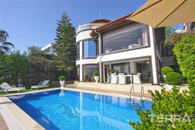 1017-stunning-villa-with-panoramic-sea-and-city-views-in-alanya-bektas-5cd02c0c4678f