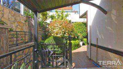 1017-stunning-villa-with-panoramic-sea-and-city-views-in-alanya-bektas-5cd02c139bd5a