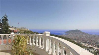 1017-stunning-villa-with-panoramic-sea-and-city-views-in-alanya-bektas-5cd02c0854298