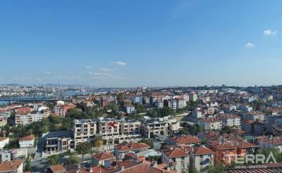 1677-apartments-in-eyup-overlooking-the-golden-horn-in-central-istanbul-5fe347a49fa92