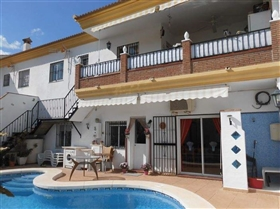 Image No.3-6 Bed House for sale