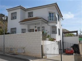 Image No.2-Maison de 4 chambres à vendre à Iznájar