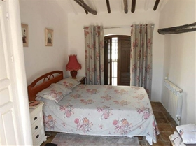 Image No.12-7 Bed House for sale