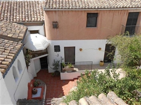 Image No.2-7 Bed House for sale