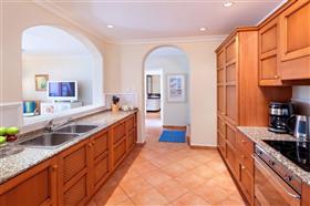 Image No.10-Propriété de 3 chambres à vendre à St James