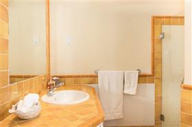 Image No.13-Propriété de 3 chambres à vendre à St James